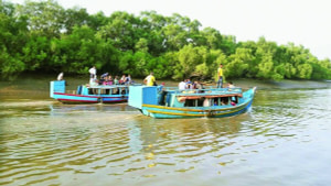 Boat ride through waterways at Bhitarkanika wildlife Sanctuary