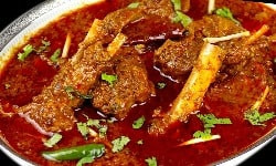 Lamb cooked in Onion gravy with aromatic spices called the Mansa Tarkari is a famous dish of Odisha Cuisine