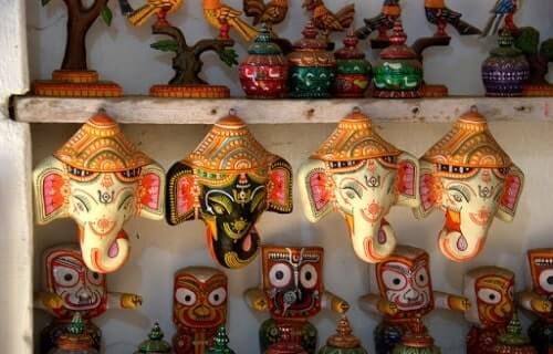 Handicraft goods at Raghurajpur Crafts village