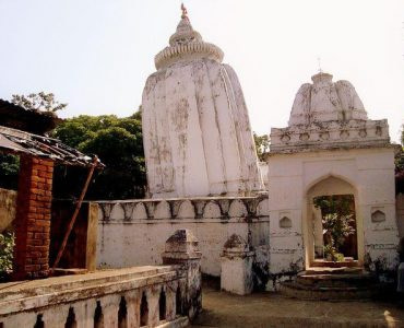 The leaning structure of Huma temple which is one of the top places to visit in Sambalpur